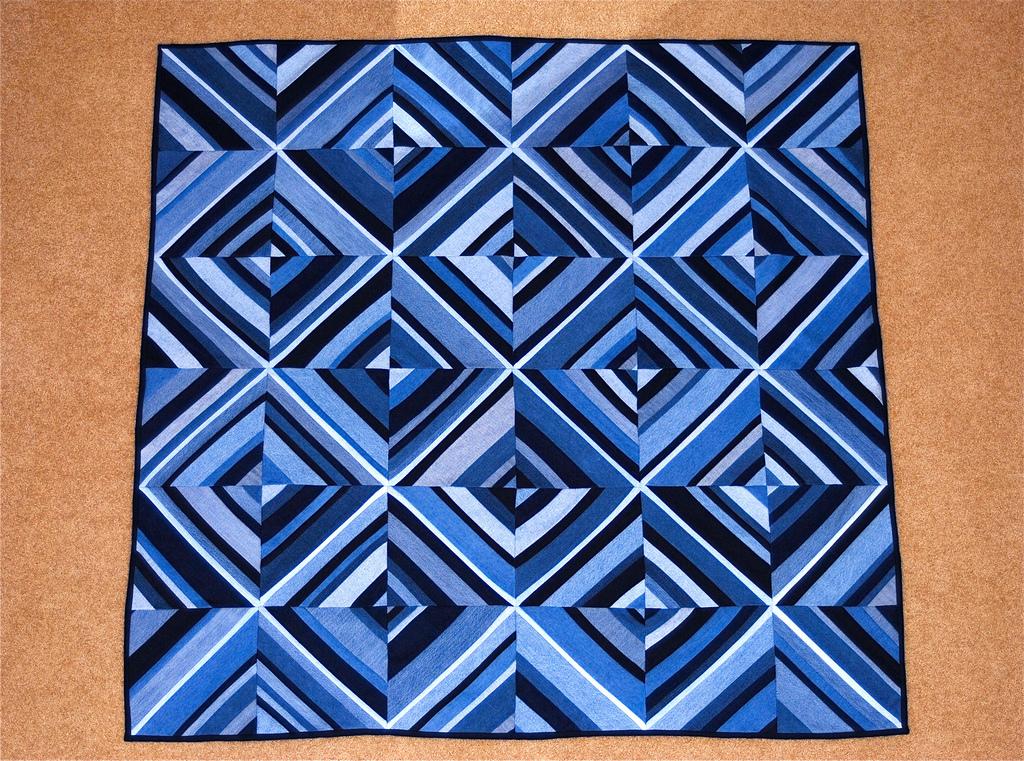 Esse quilt é um exemplo de uso de combinação monocromática (crédito da foto: reprodução Flickr)