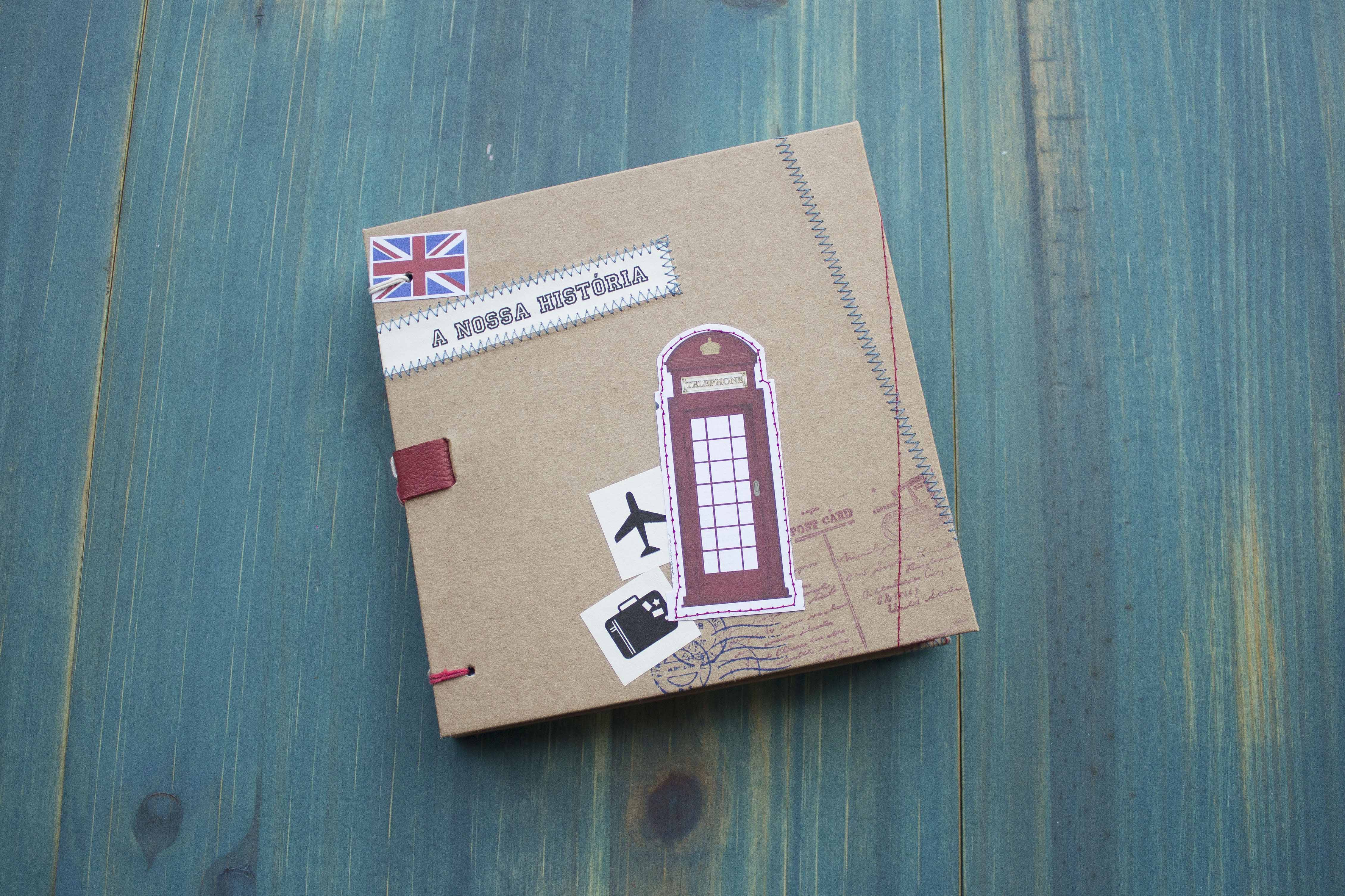 Um dos álbuns de viagem criado por Danieli Barbara, do Lilou Estúdio