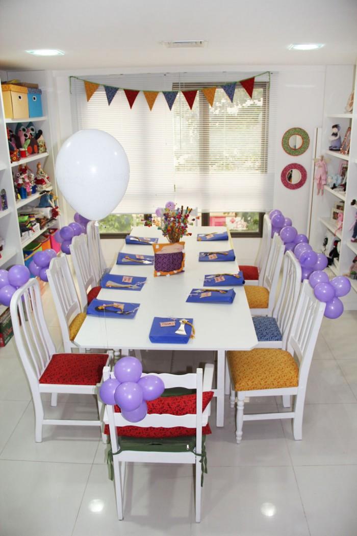 Olha a mesa preparada para uma festa de criação (crédito da foto: Katia Callaça)