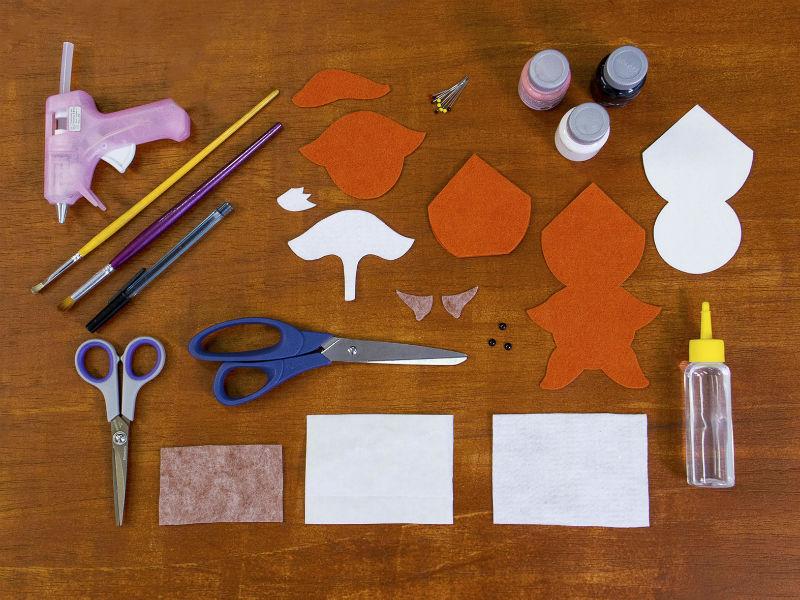 Materiais necessários para fazer o passo a passo em feltro
