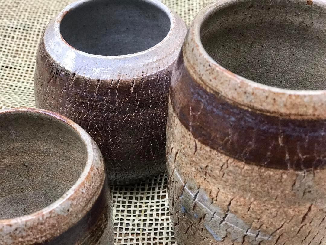 """Post mostrando os detalhes da cerâmica Cativando os clientes com uma """"pegada"""" mais artística (crédito da foto: reprodução Instagram @xireatelie)"""