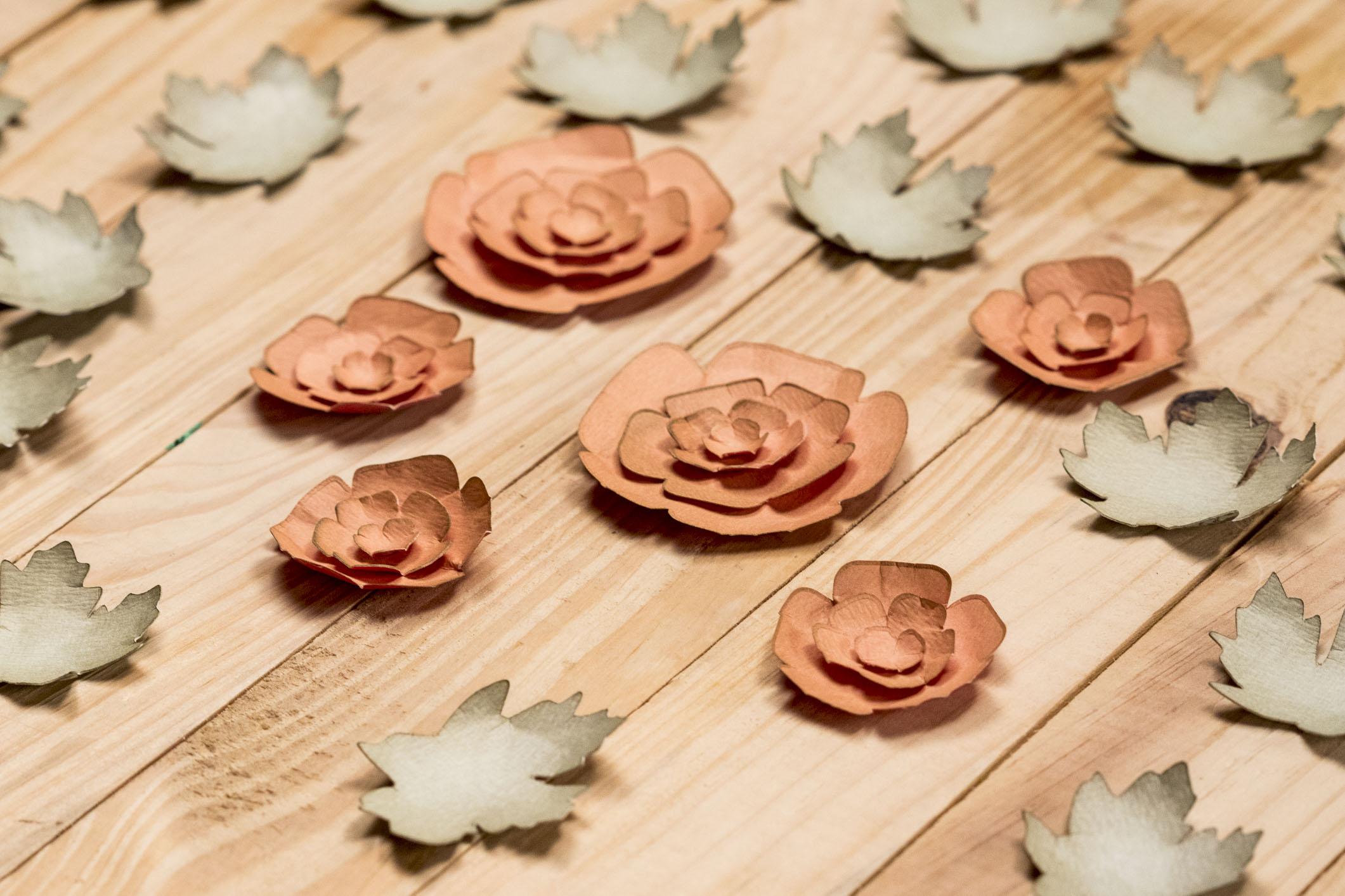 Flores em papel: versatilidade para serem empregadas em diferentes peças