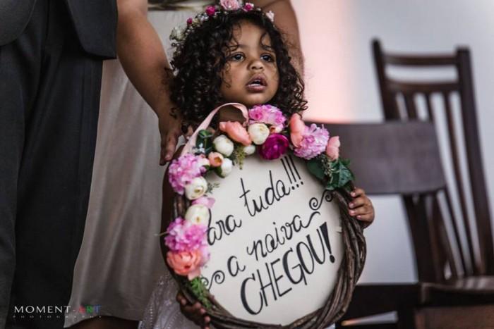 Famosa plaquinha de noiva que foi sucesso de vendas depois do casamento da Gabi.