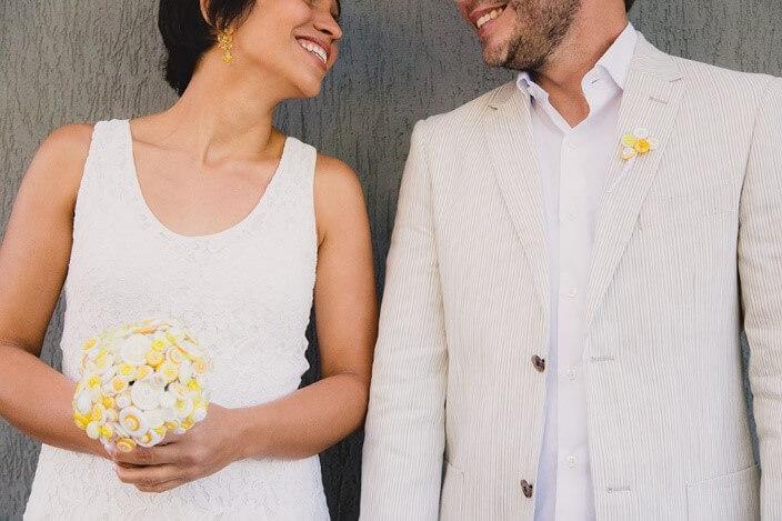 """Buquê e lapela de botões: detalhes que fazem a diferença no casamento """"eu que fiz"""""""