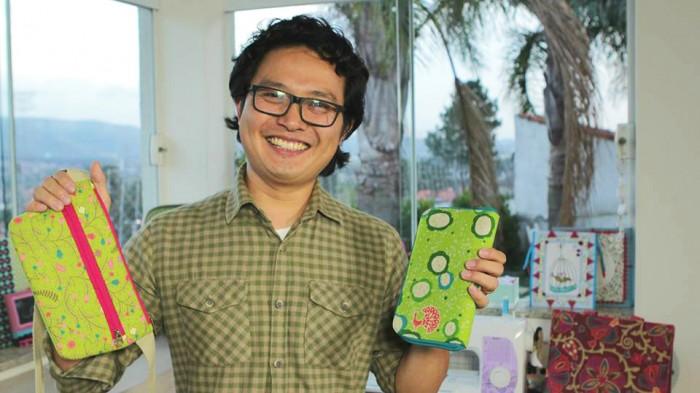 Yuji Sato é MEI e comemora o sucesso de seu negócio.