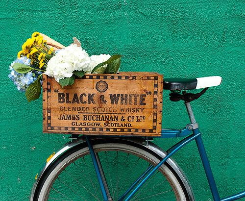 Caixote deixa a bike com jeitão exclusivo (crédito da foto: reprodução designsponge)