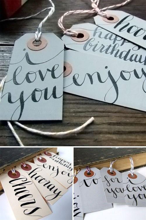 Caligrafia no artesanato: Fazer tags como essas dá personalidade para sua marca. Vale a pena tentar, não? (crédito da foto: site papercrave)