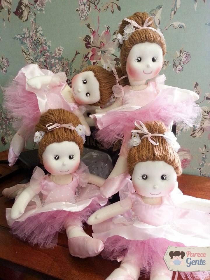 Bailarinas lindas e feitas à mão pelo ateliê Parece Gente (crédito da foto: reprodução Facebook Parece Gente)