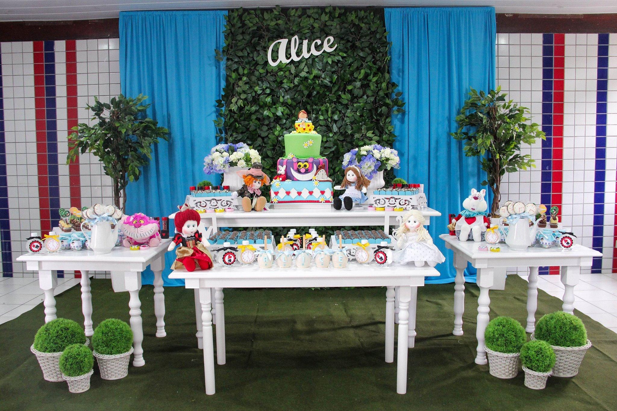 Bonecas de pano são personagem principal dessa festa infantil (crédito da foto: reprodução Facebook Parece Gente)