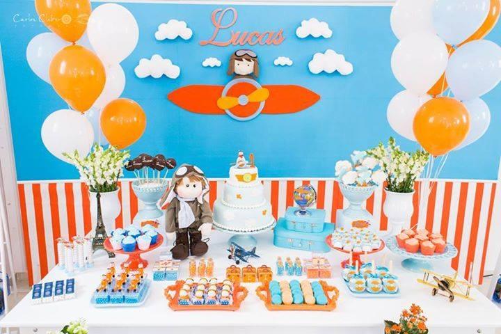 Vanessa costuma fazer vendas para decoradores de festa infantil. Boneco de pano ganha destaque na mesa (crédito da foto: reprodução Facebook Parece Gente)