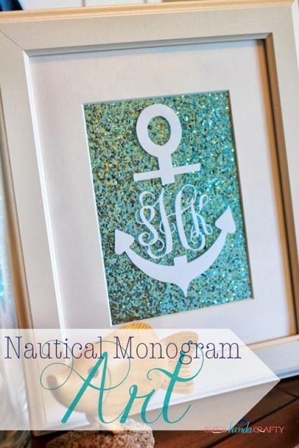 Caligrafia no artesanato: Quadro com monograma, que também pode ser feito para porta de maternidade (crédito da foto: site sheskindacrafty)