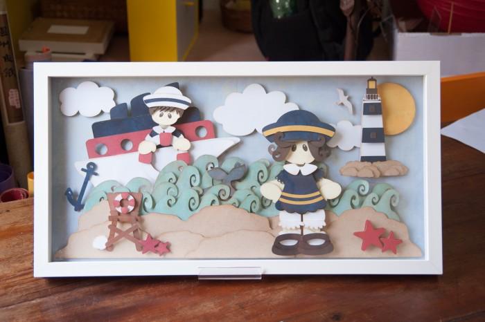 Os quadros personalizados em papel são a marca registrada de Aninha. O trabalho é de uma delicadeza impressionante