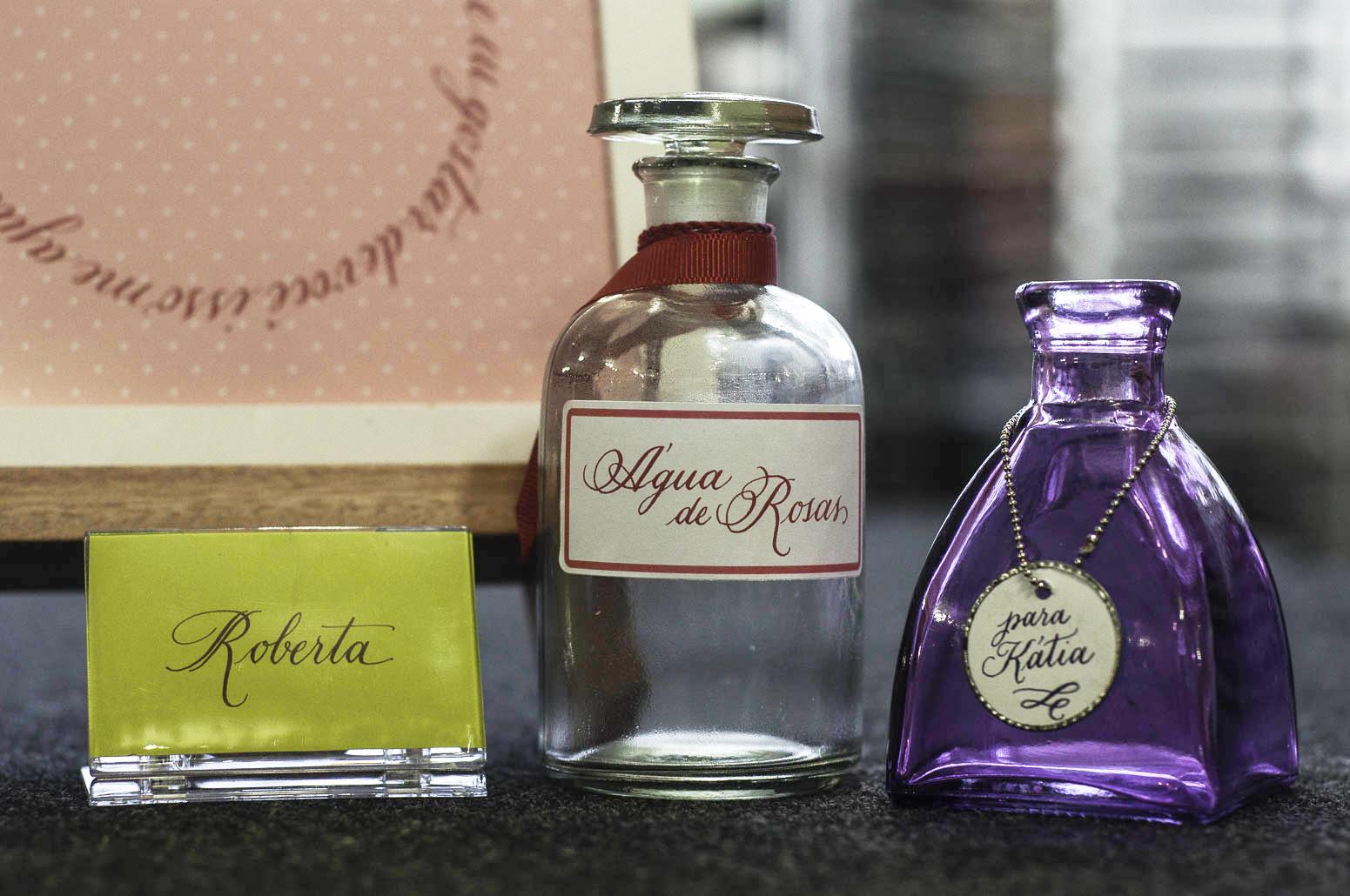 Veja como ficam lindas essas etiquetas com uso da caligrafia