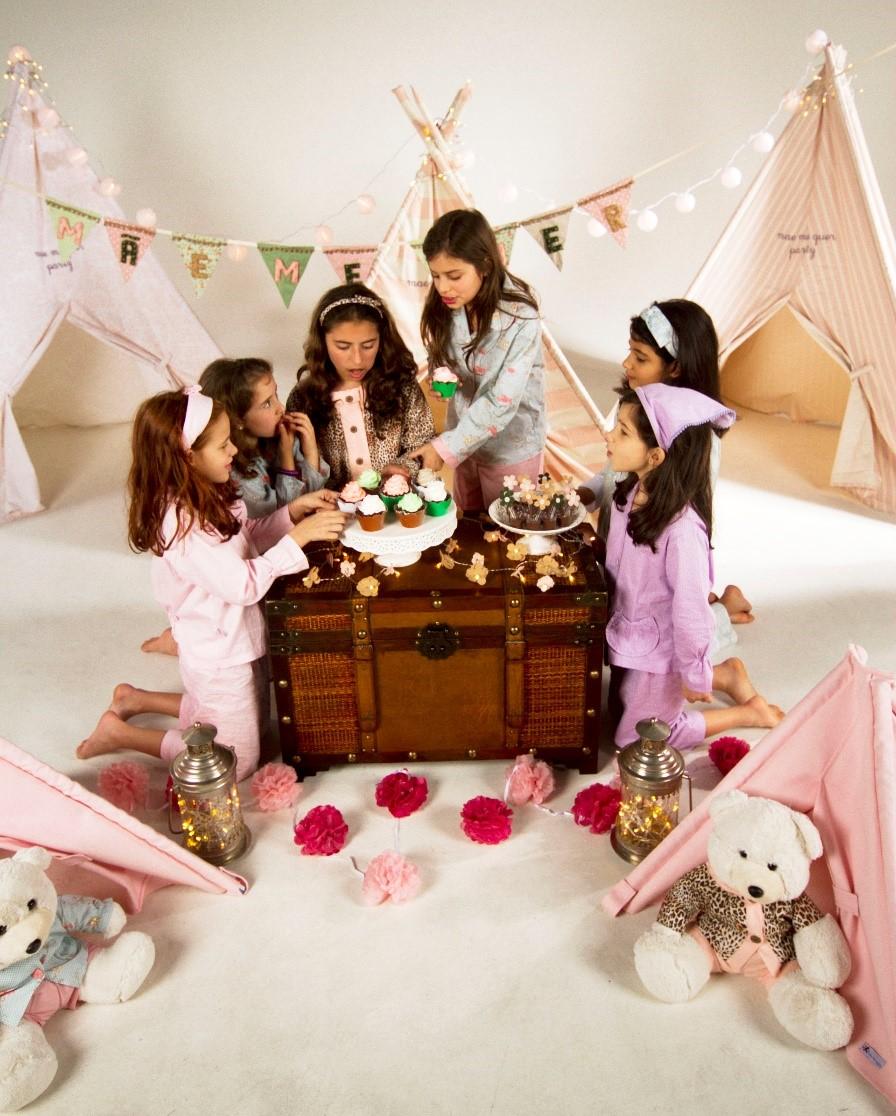 Aluguel de cabaninhas para festa infantil feito pelo Mãe Me Quer Ateliê (crédito da foto: reprodução site Mãe Me Quer Ateliê)