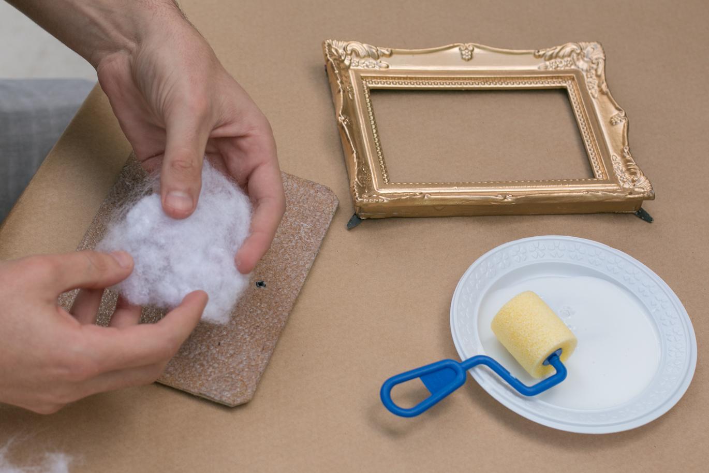 Colando a fibra siliconada   PAP: porta-retrato vira porta alfinetes