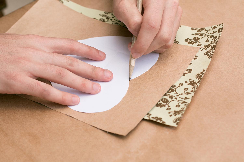 Desenhando o molde |PAP: Envelope de coração - Blog Artesanato e ponto