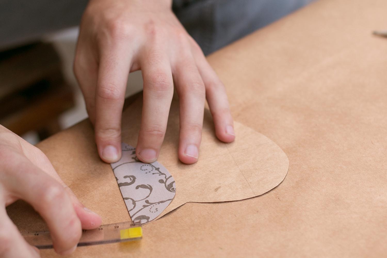 Reforçando as dobras |PAP: Envelope de coração - Blog Artesanato e ponto
