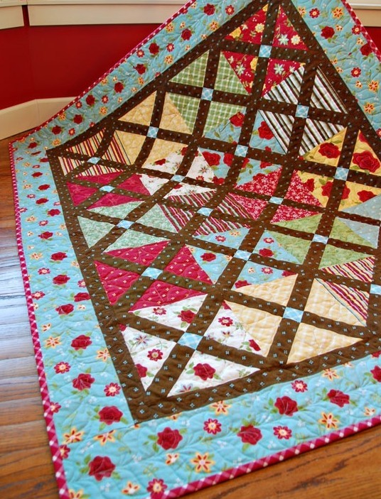 Colcha de patchwork com mistura de estampas criativa (crédito da foto: ankas treasures)