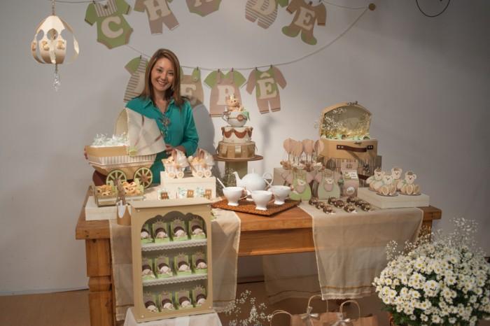 Claudia Wada no seu curso de decoração para bebês