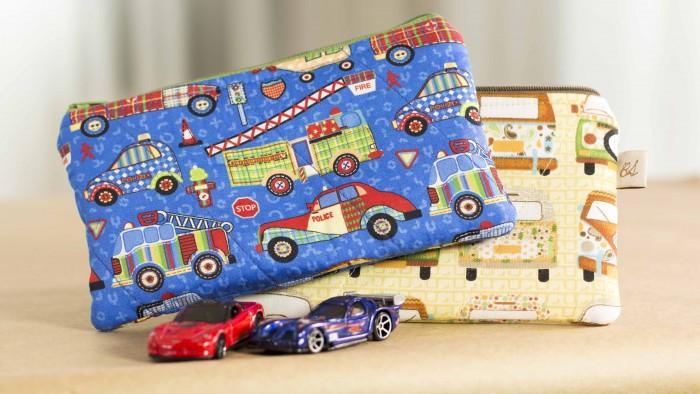 Neste PAP você vai ver como é fácil fazer a costura de utilitário para crianças guardarem seus brinquedos e lápices de colorir