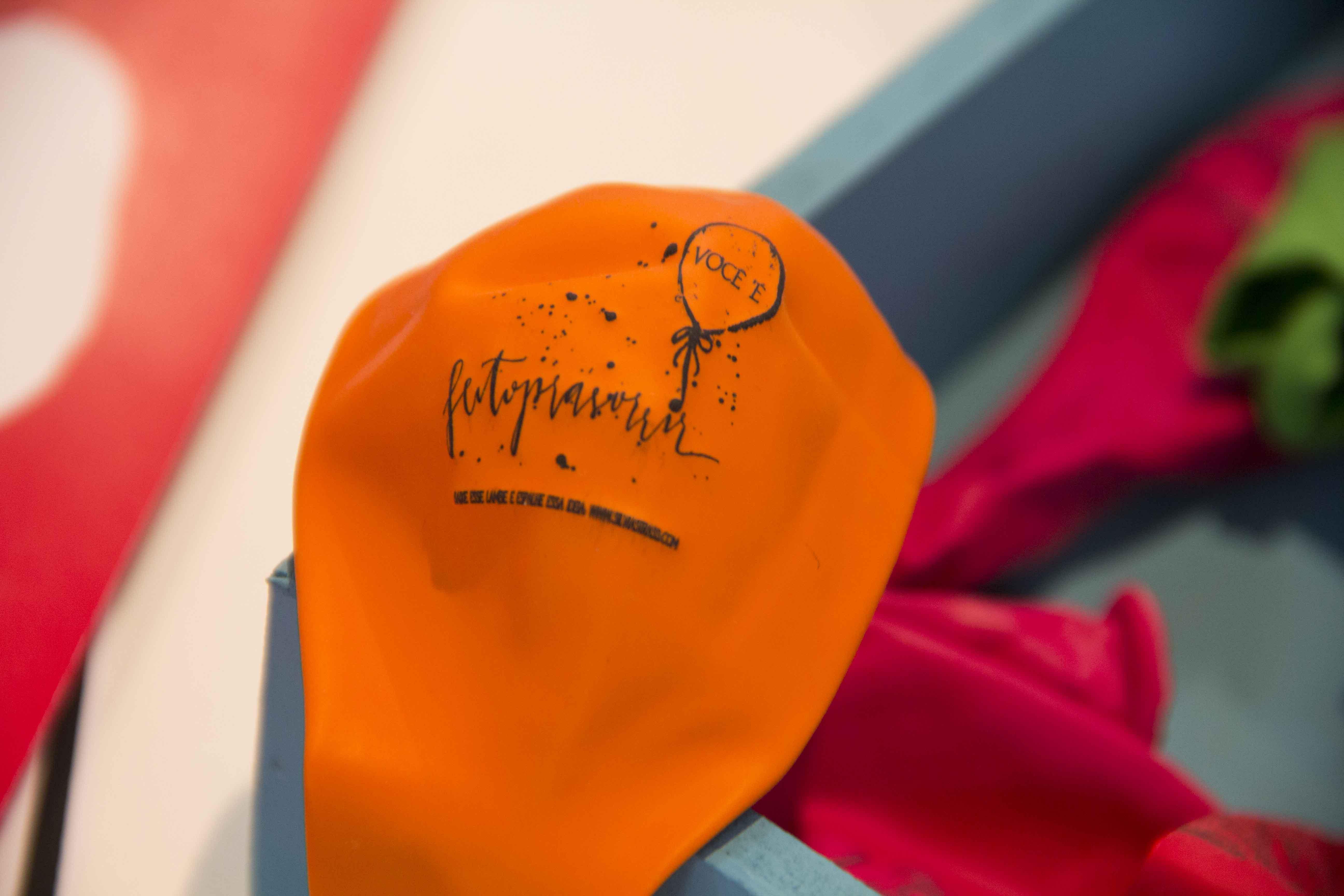 Balão desenvolvido por Silvia Strass carrega mensagem especial: feito pra sorrir
