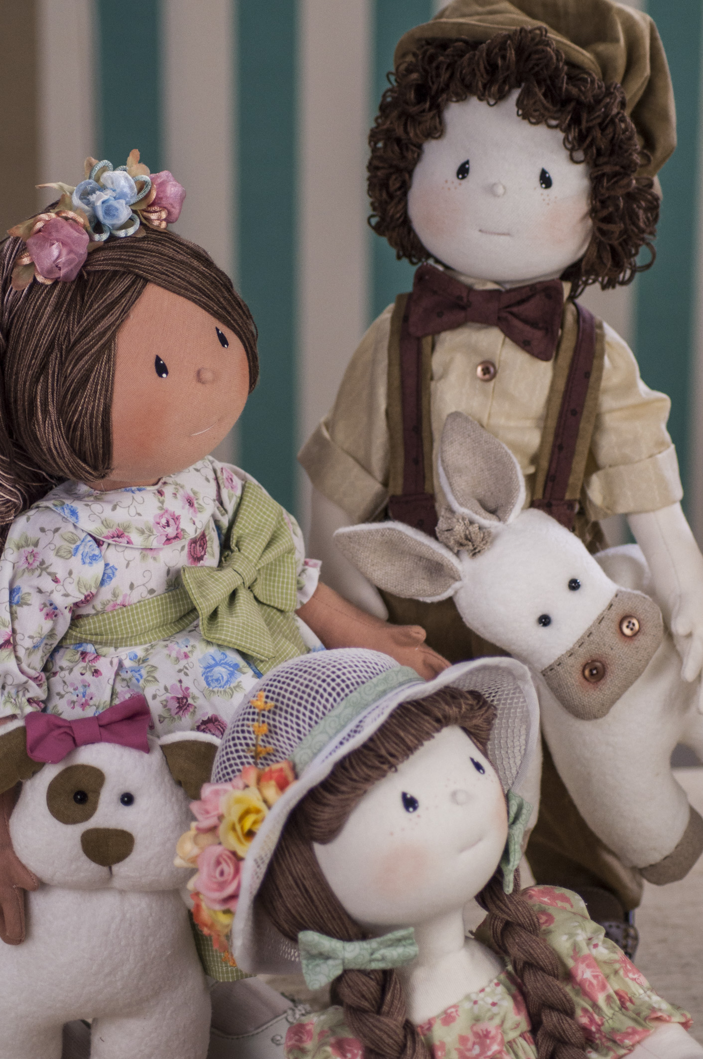 As bonecas são originais e com técnicas exclusivas, desenvolvidas por Vivi