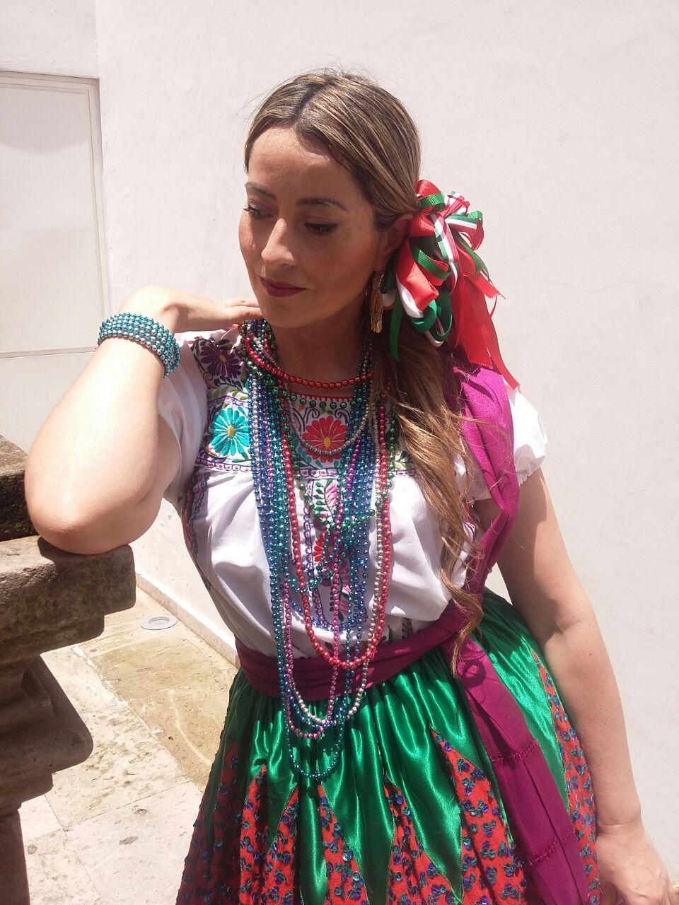 Millyta investe em capacitação. Foi ao México para buscar inspiração para criar. Na foto, em Guadalajara, onde participou de uma feira de artesanato