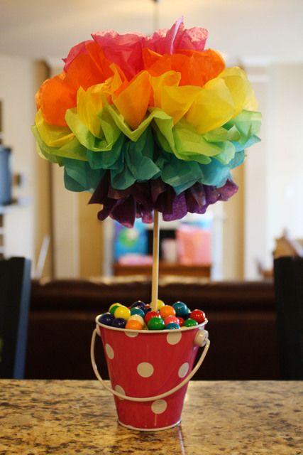 Centro de mesa decorado e colorido (crédito da foto: site catch my party)