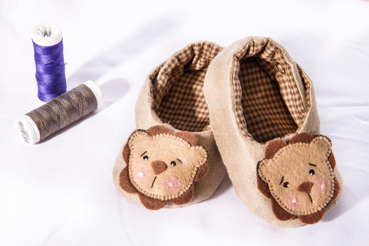 Modelo de sapatinho para bebê criado pela Nanda, quanta fofura!