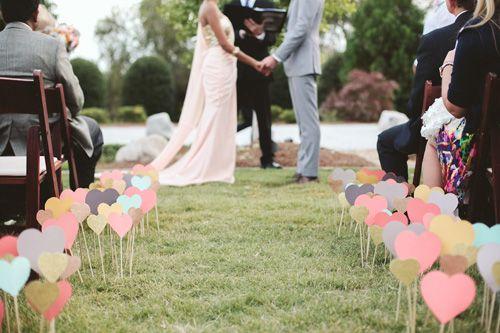 Para casais mais clássicos, ofereça os corações em cores pastéis (crédito da foto: Ulmer Studios)