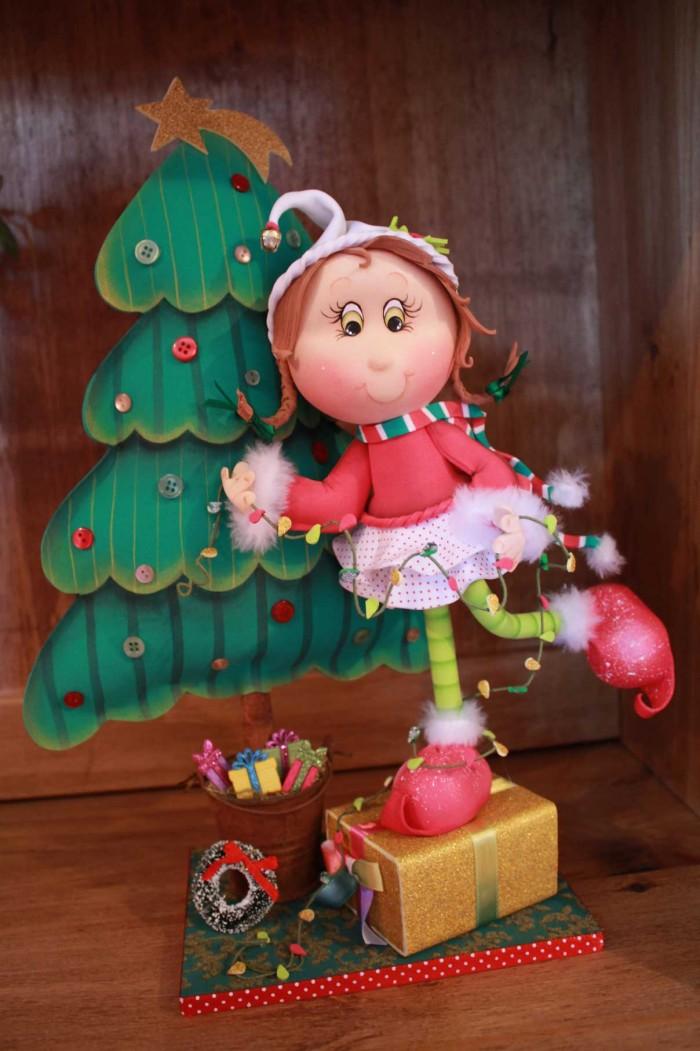 Duende da árvore de natal feita pela Amanda Pin