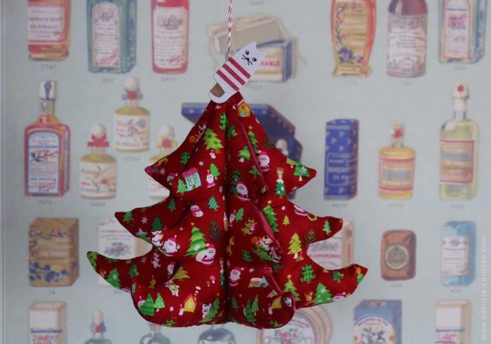 Árvore de natal em tecido feita pela Patricia Cardoso