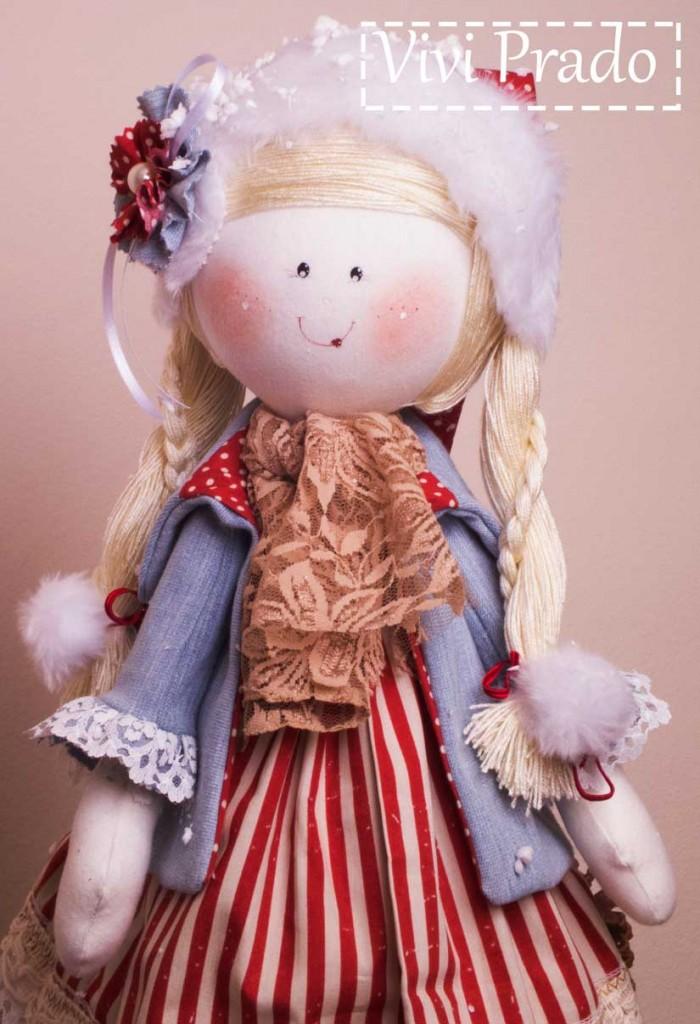 Boneca com enfeites de natal da Vivi Prado