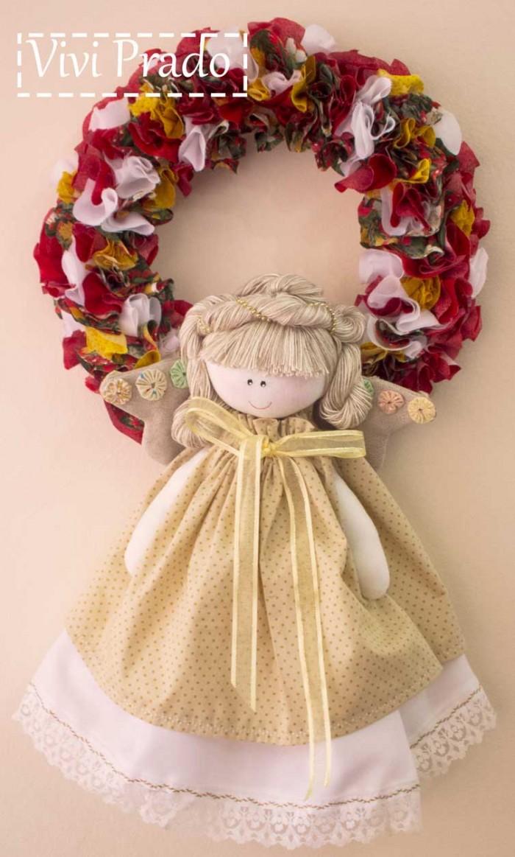 Guirlanda de Natal com anjo feita pela Vivi Prado