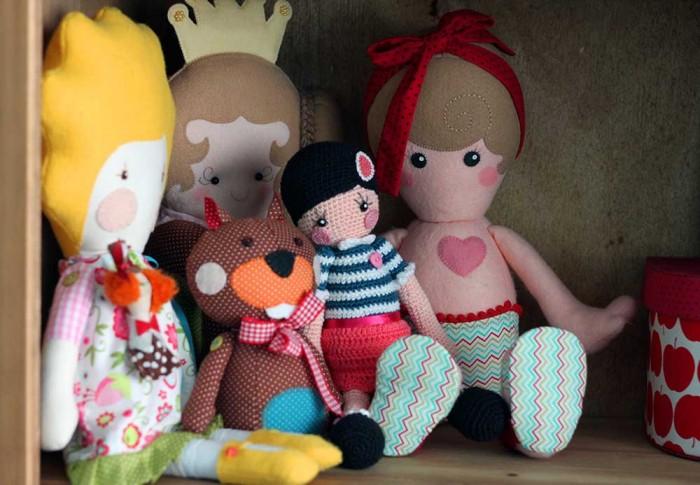 Bonecas do ateliê da Gigi Serelepe (crédito da foto: Gigi Serelepe)