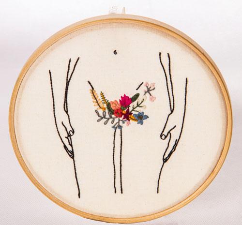 Bordado representa o feminino, feito pelo Clube do Bordado