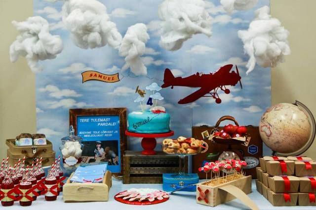 Avião na decoração para meninos: festa (crédito da foto: catch my party)