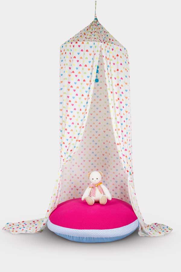 Dosel para quarto de bebê feito por Débora Radtke
