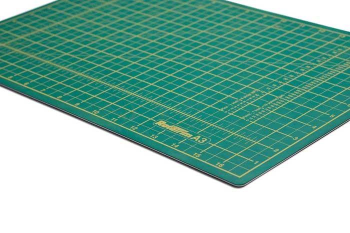 Placa de corte para artesanato (crédito da foto: rotatrim)