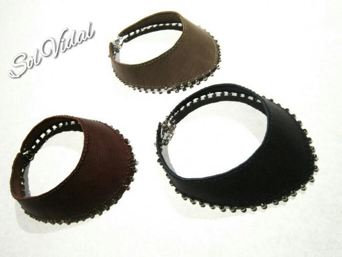 Colares em couro artesanais de Sol Vidal