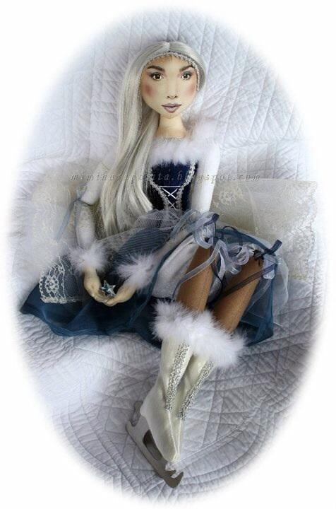 Boneca patinadora de gelo de Mimi Haraposita