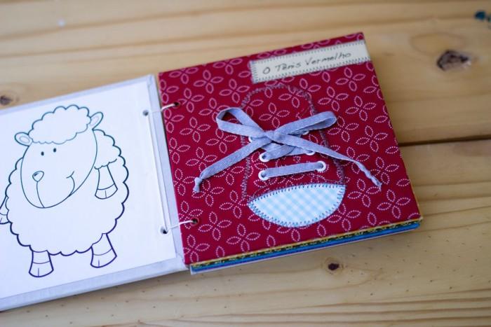 Livros, cadernos e álbum para momentos especiais com Danieli Barbara