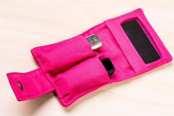 Porta batom com espelho feito para o curso de bolsas versáteis de Marcia Satiko