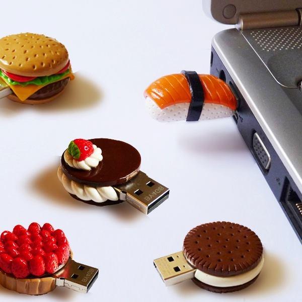 Mini bolos de biscuit e comidas diversas (reprodução do site eepuri)