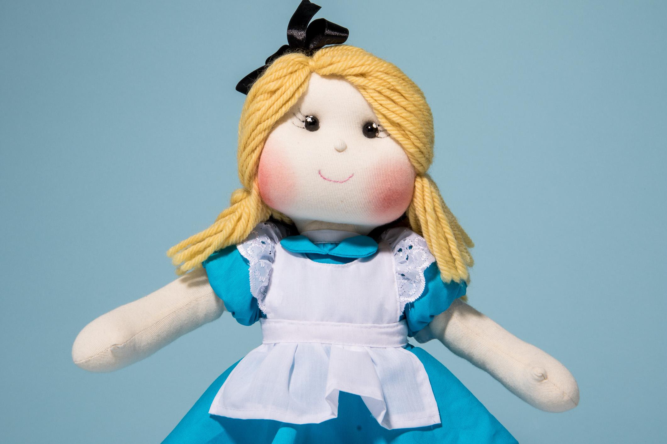 Repara só na delicadeza do rostinho da Alice