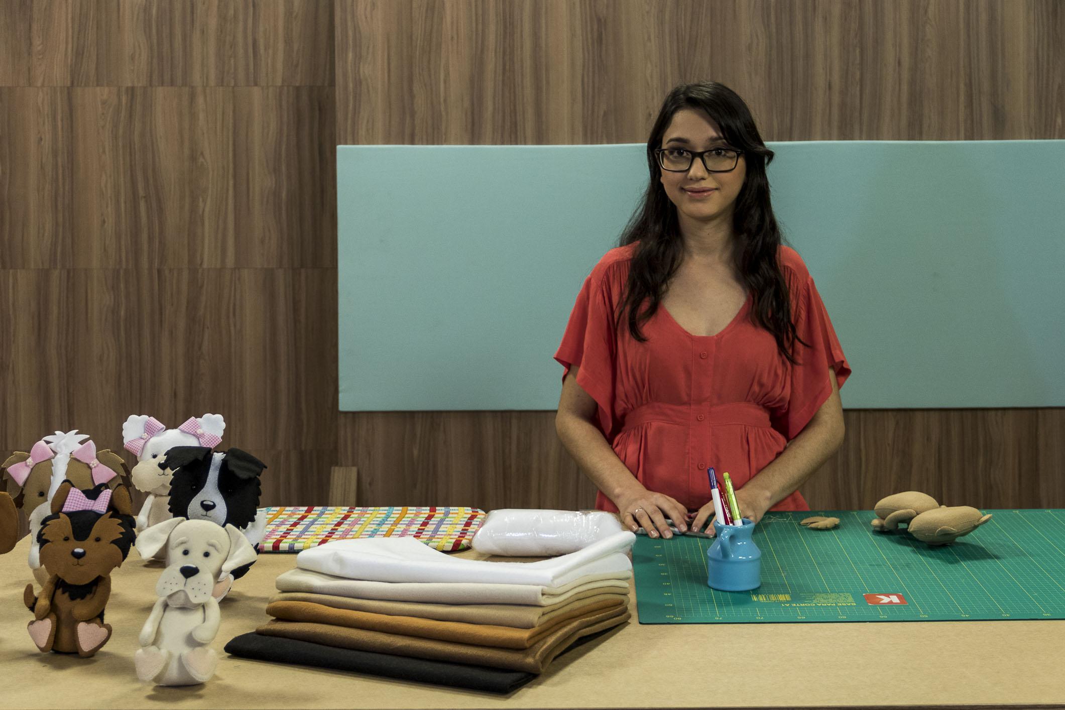 Jessely Tainara: a jovem talento do feltro trilha seu caminho de sucesso no artesanato