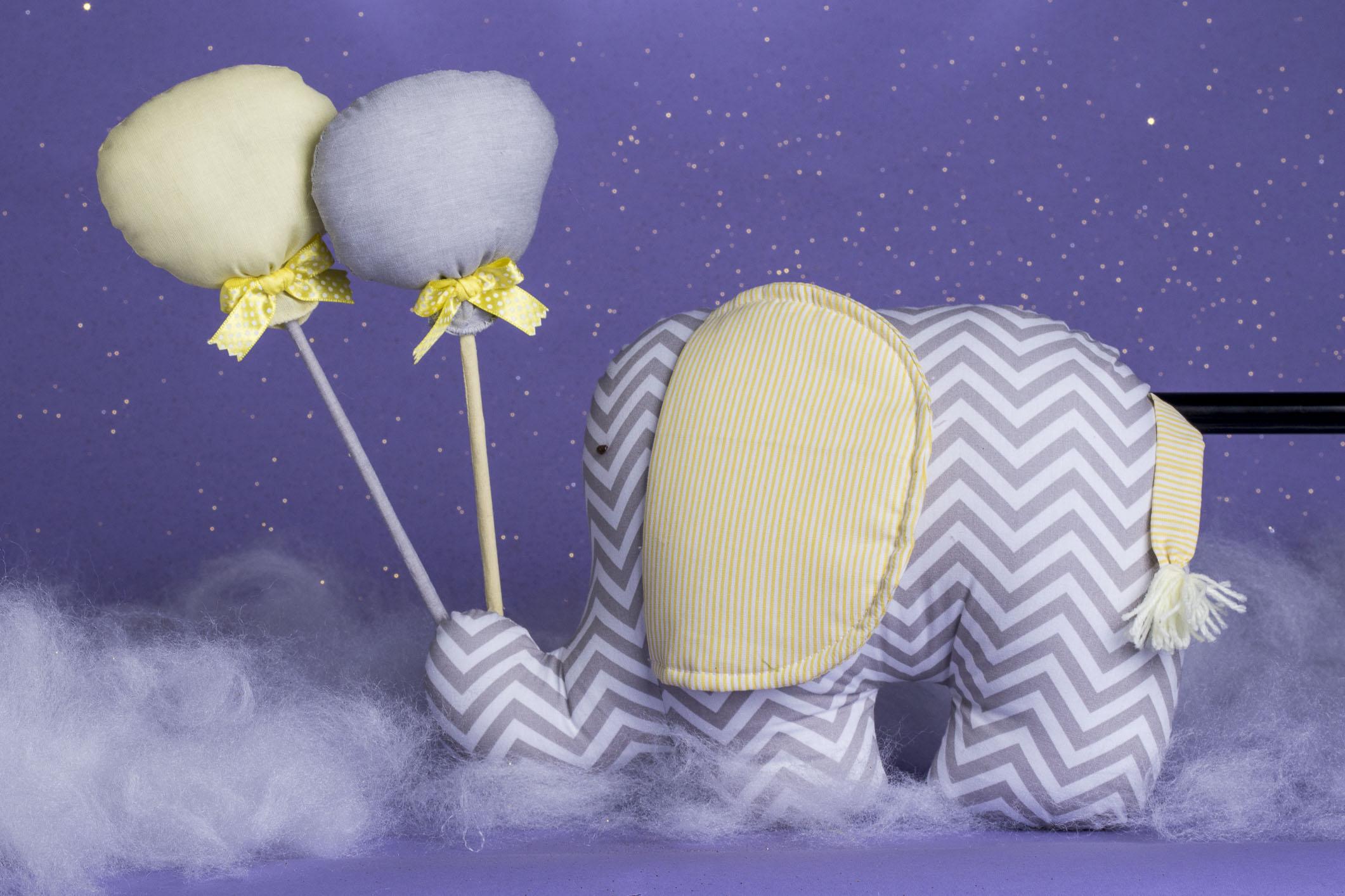 elefante_com_balões_em_tecido