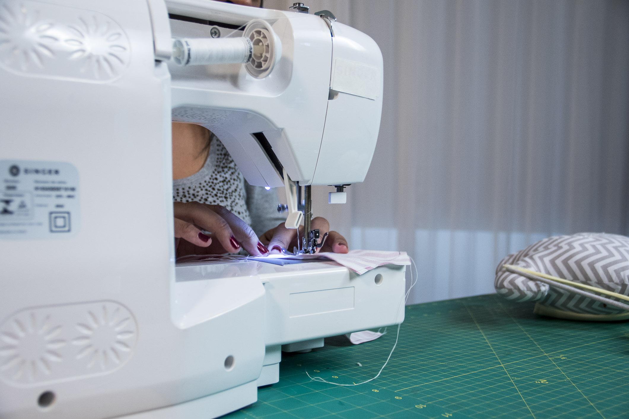 Prepare a máquina e separe os materiais para começar a produzir já as suas peças