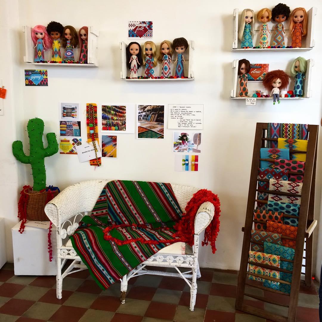 Um dos ambientes criados para o lançamento da coleção que aconteceu na Fernando Maluhy, em São Paulo (crédito da foto: reprodução Instagram @oficinafu)